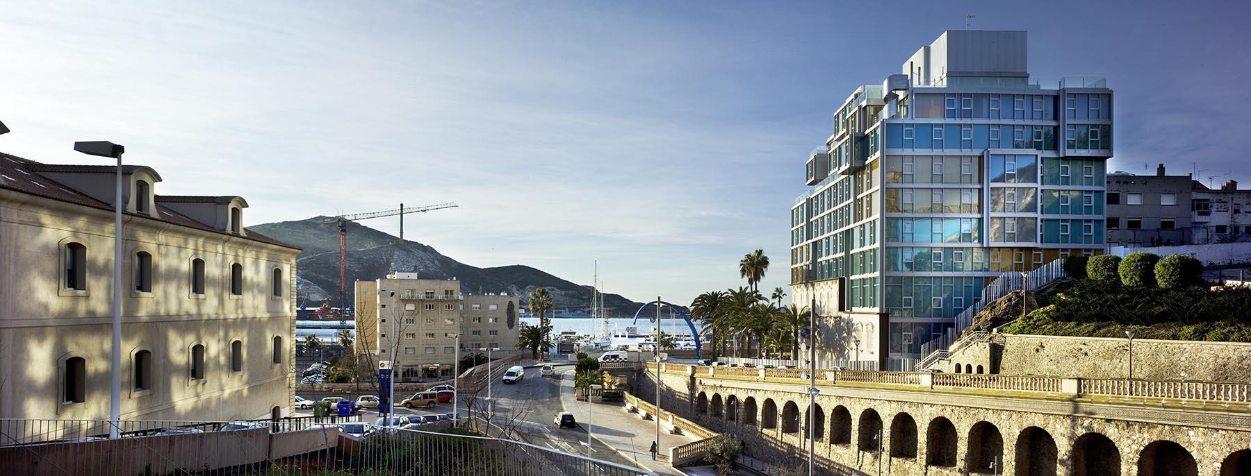 Edificio de Viviendas, Locales Comerciales y Aparcamientos. Muralla del Mar 22. Cartagena.